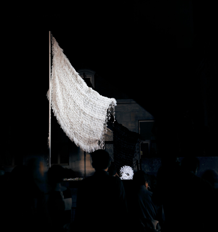 WHITE FLAG «Drapeau Blanc pour N... 2013