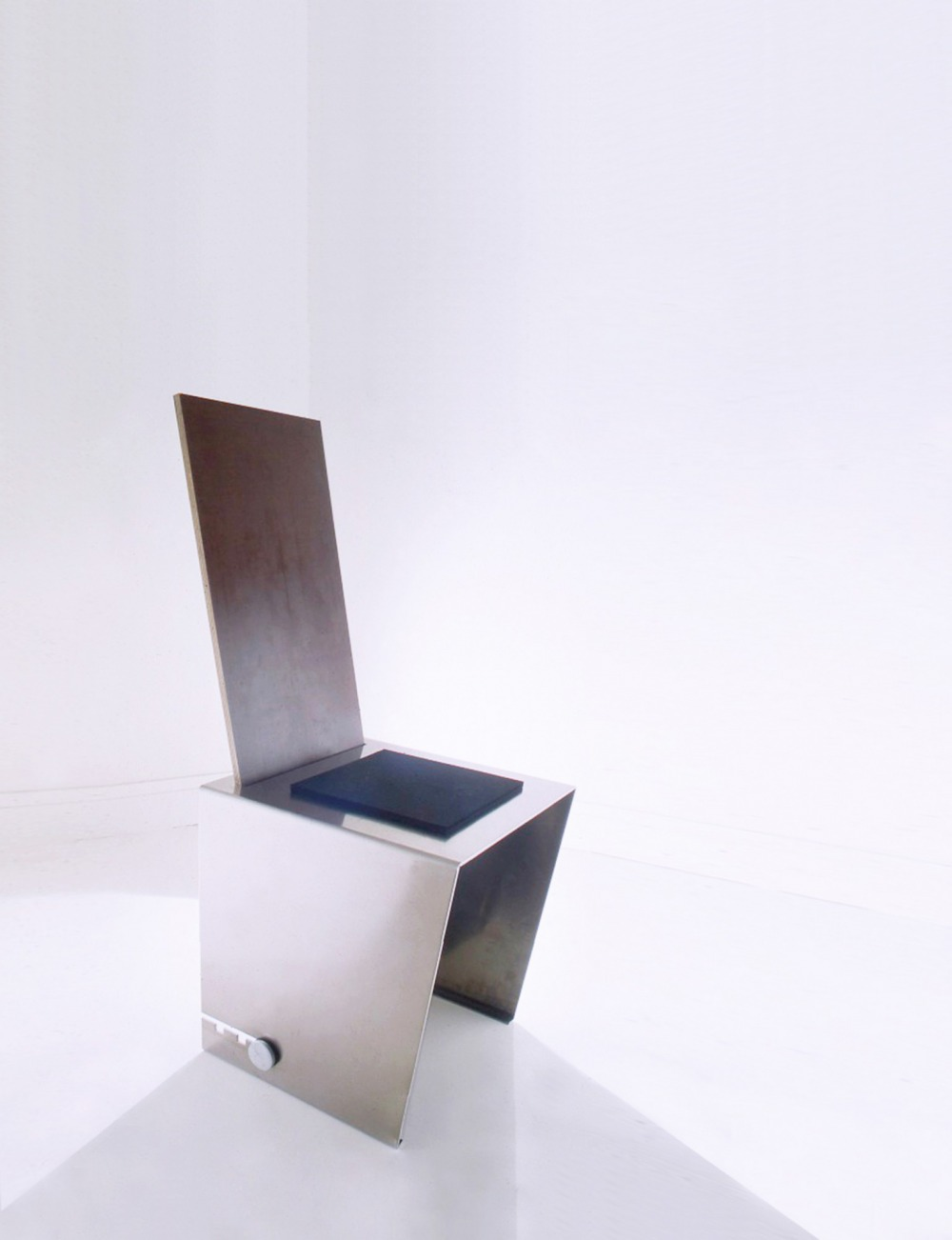 ERSATZ Chaise Aluminium, contreplaqué filmé 18 AO... 1988