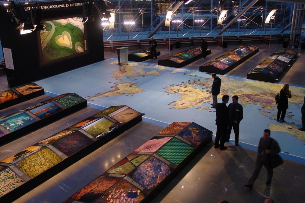 Exposition Yann Arthus-Bertrand La Terre vue du ... 1999