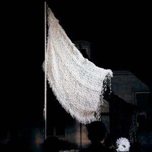 WHITE FLAG «Drapeau Blanc pour Nuit B... 2013