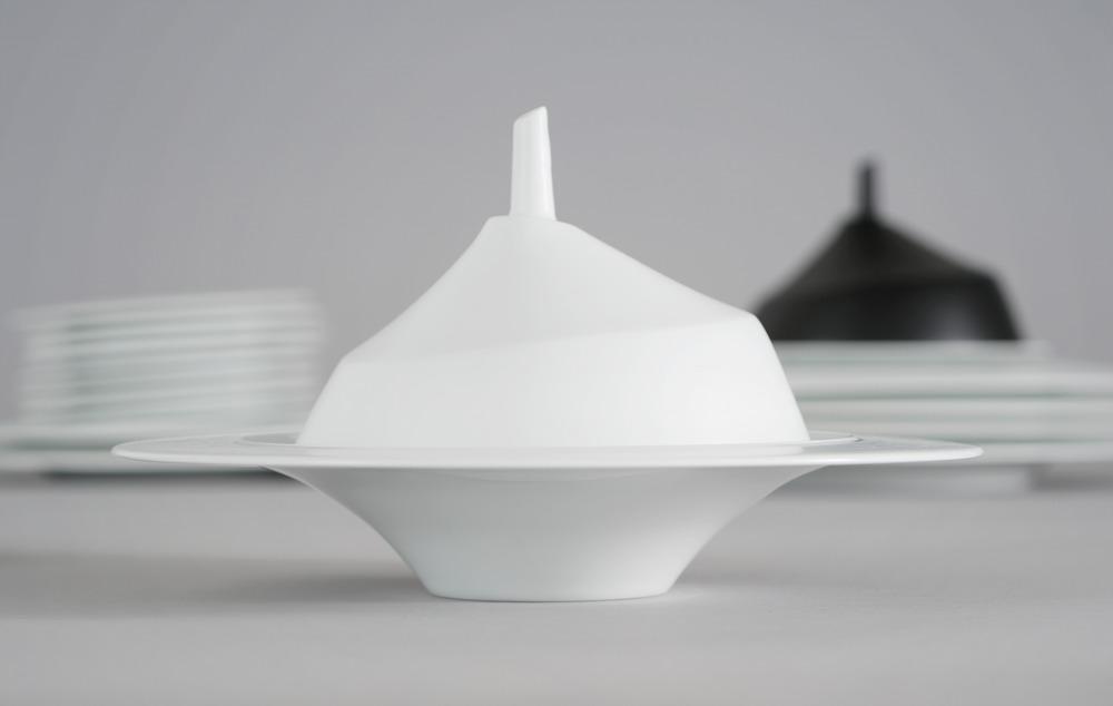 RESTAURANT GUY SAVOY Cloche Porcelaine, émail n... 2014