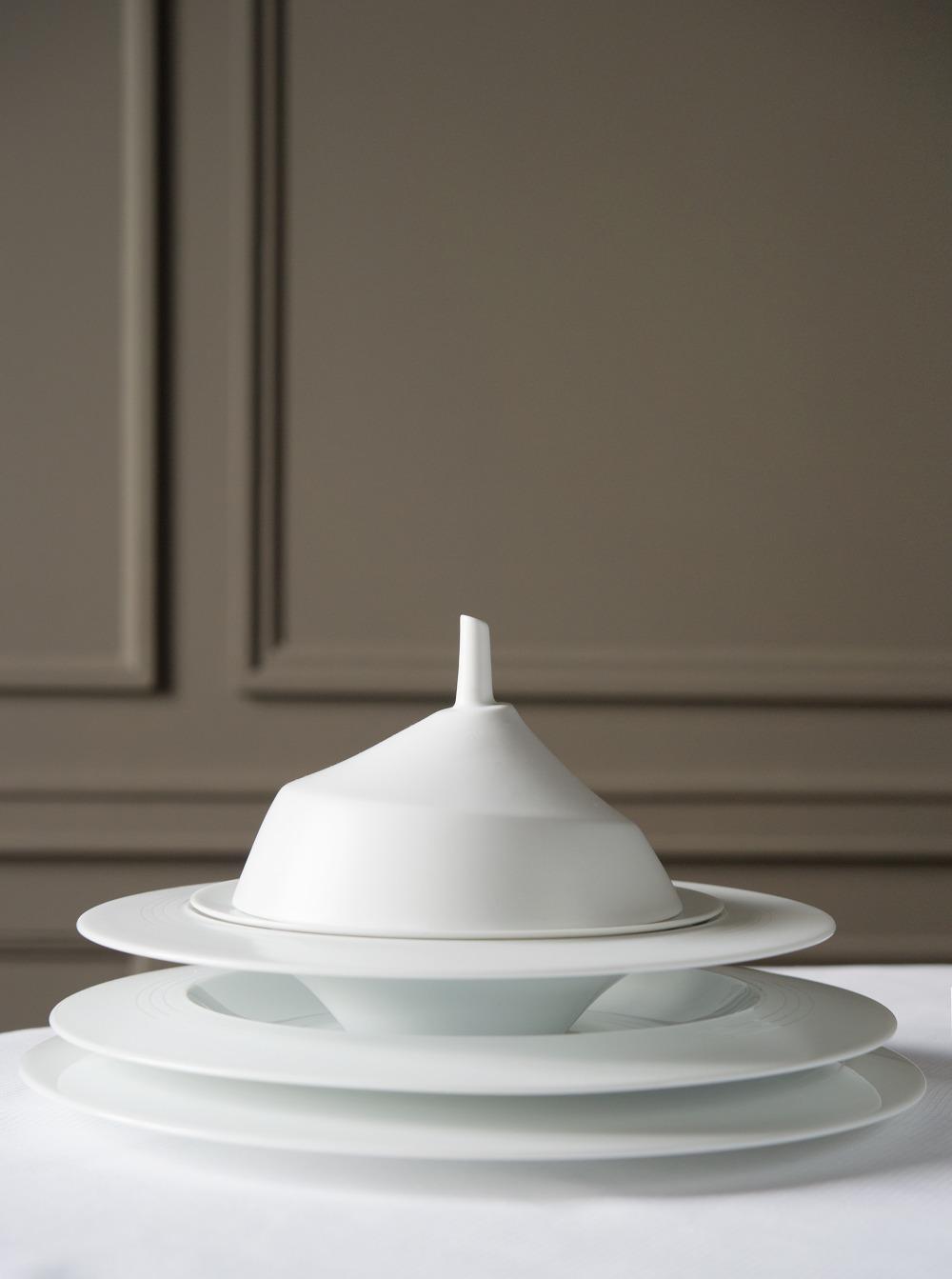 RESTAURANT GUY SAVOY SERVICE DE TABLE ASSIETTES: ... 2014